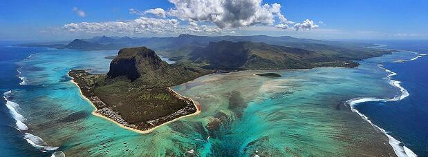 aerial-photo-le-morne-mauritius-oktoberfest.jpg